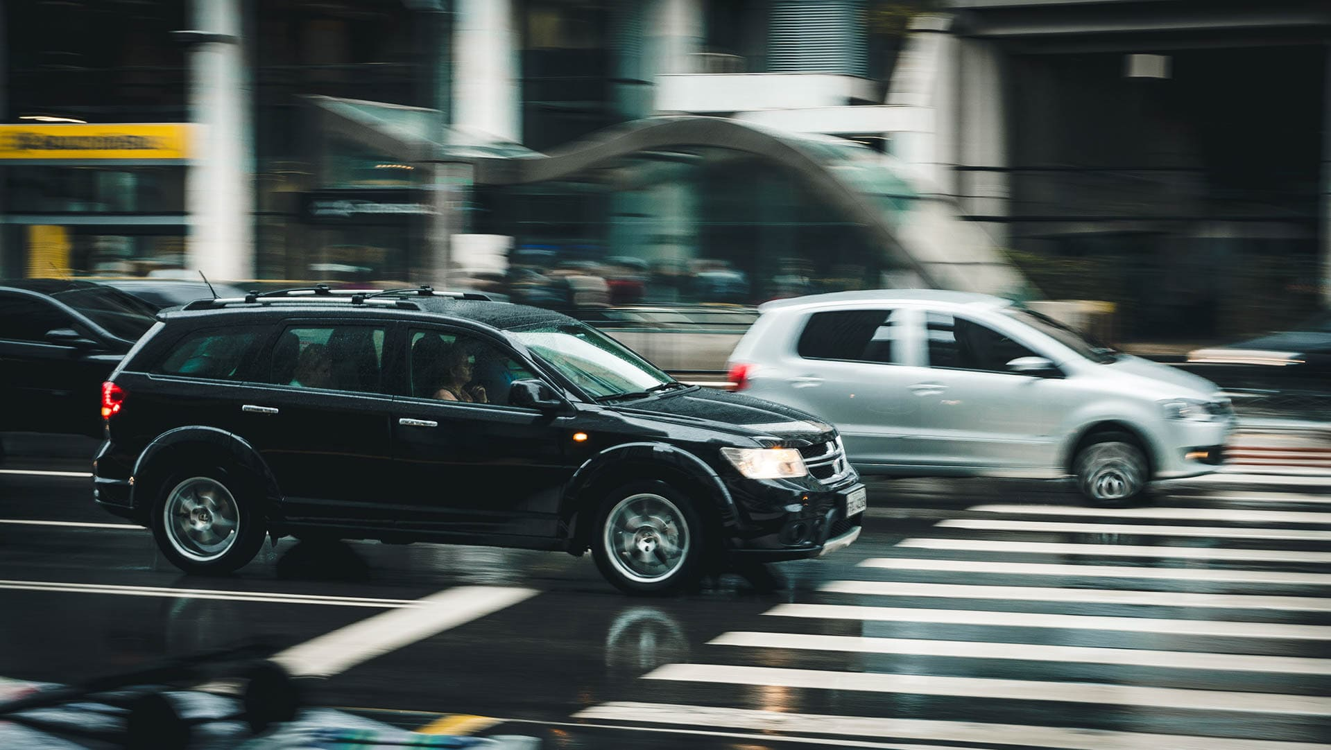 Halterpflichten und Halterhaftung, Autos auf einer Straße